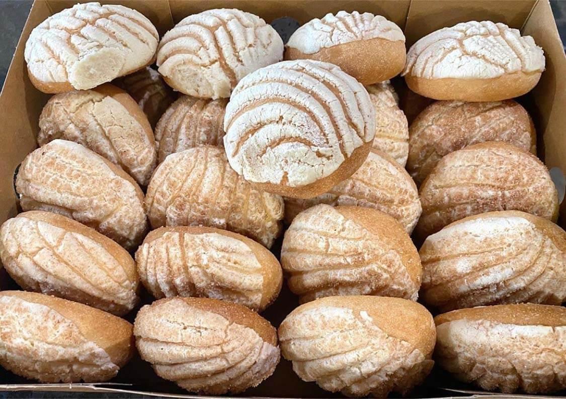 Delicias Bakery & Some