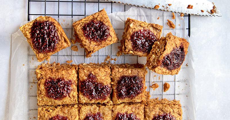 Vegan Gluten-Free Baked Peanut Butter and Jam Oat Bars Recipe